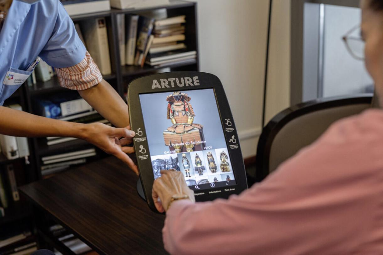 L'art s'invite en maison de retraite avec la borne Arture